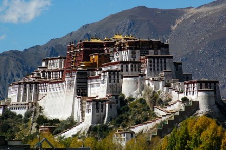 everest-i-lhasa.-nepal.-tibet